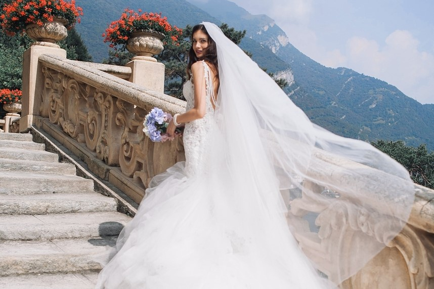 Wedding Veils Aren't Going out of Style and Here's Why