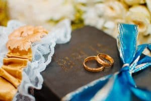 Do I Need to Have a Wedding Garter Toss? (and 7 Alternatives)