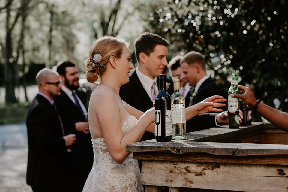 Cost of Having an Open Bar at Your Wedding
