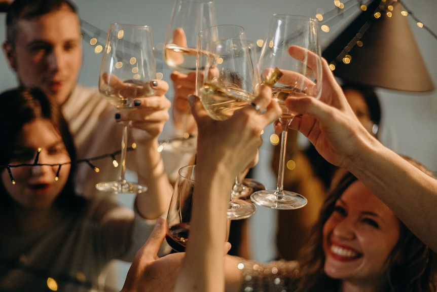 Top 10 Tips for Planning Toasts at Your Wedding
