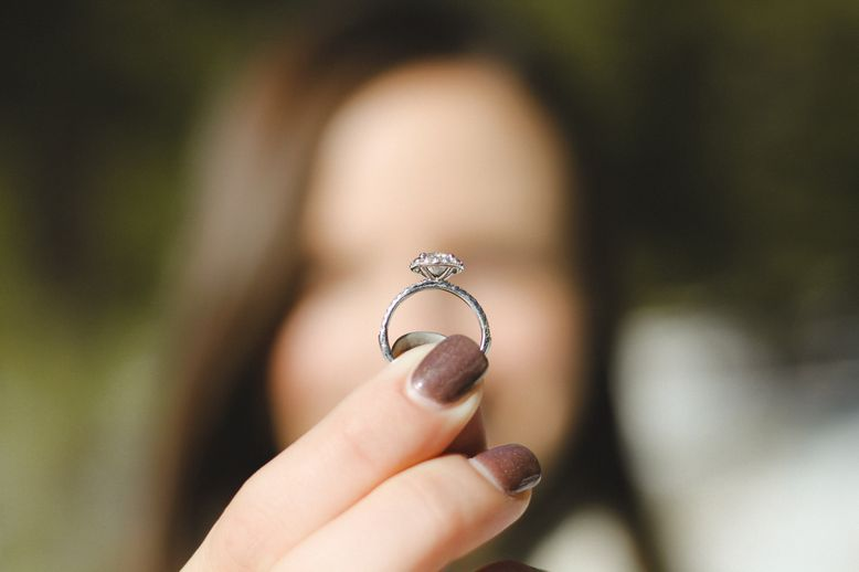 Eco-Friendly Wedding Rings & Bands (A Helpful Guide)
