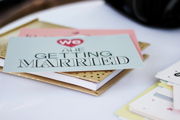 Guide to Eco-Friendly Wedding Save-the-Dates