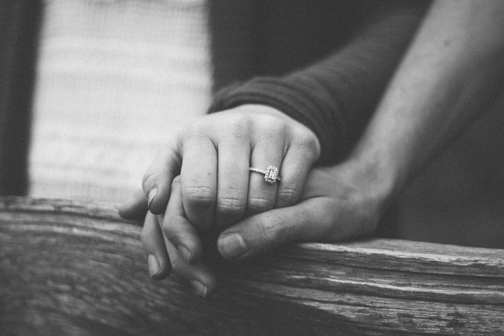 25 Eco-Friendly & Conflict-Free Wedding Ring Companies